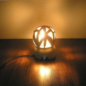 砂岩のランプ 燈篭 丸型・リーフ[H.14cm] アジアンインテリア アジアンランプ 照明 エスニック テーブルランプ フットライト|angkasa