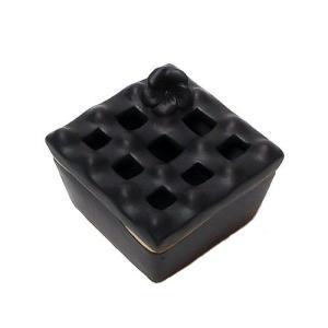 タバナン 灰皿蓋付き フランジパニ 艶消しブラック アジアン雑貨 バリ雑貨|angkasa