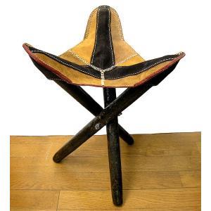 アジアン雑貨 タイ雑貨 ハンドメイド レザーの三角イス ライトブラウン2色 折り畳み式 革 アンティーク調 スツール チェアー 椅子|angkasa