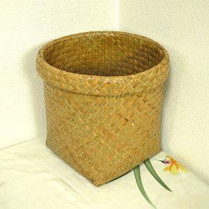 カチュー水草の編み込みカゴ 収納 ゴミ箱 ナチュラル Mサイズ[直径約23-4cm] アジアン雑貨|angkasa