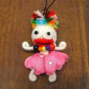 ブードゥー人形ストラップ 女の子 白 H.6cm アジアン雑貨 バリ雑貨 angkasa