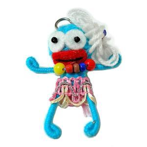 アジアン雑貨 タイ雑貨 ブードゥー人形ストラップ キーホルダー 花飾り ターコイズ[H.6cm]|angkasa