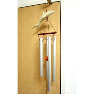 木彫りのイルカとスチールパイプの風鈴 Lサイズ[H.70cm] アジアン雑貨 バリ雑貨 タイ エスニック アジアンインテリア|angkasa