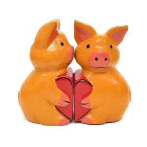 木製 ブタさん カップル ハート[H.8cm] アジアン雑貨 バリ雑貨 エスニック かわいい 置物 グッズ|angkasa