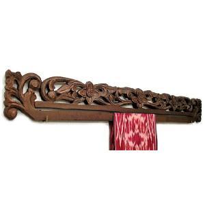 イカットハンガー ダブル [90cm] 木彫り花3輪 アンティーク調 アジアン雑貨 バリ雑貨 タイ エスニック おしゃれなハンガー|angkasa