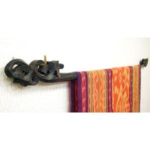 イカットハンガー シングル ブラック 70cm 木彫り  アジアン雑貨 バリ雑貨 タイ エスニック おしゃれなハンガー|angkasa