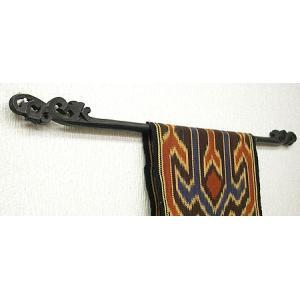 イカットハンガーシングルブラック [60cm]木彫り アジアン雑貨 バリ雑貨 タイ エスニック おしゃれなハンガー|angkasa