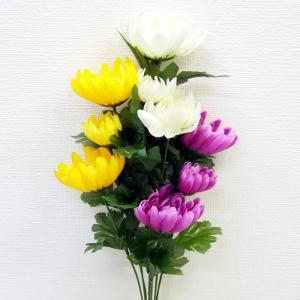 お墓や大きめのお仏壇に供える造花(シルクフラワー)の仏花です。 生花ではないので水遣りが不要で忙しい...
