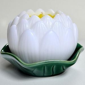 カメヤマローソク 蓮玉ローソク 白 飾り皿付き お彼岸 お盆 月命日 進物 蓮のろうそく|ansindo