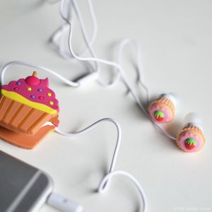 カップケーキ イヤホン & コードロールセット かわいい 巻き取り おしゃれ ホワイトデー
