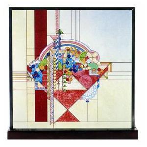 フランク・ロイド・ライトの建築・装飾デザインをモチーフにしたアートグラス。職人の手によって作られたア...