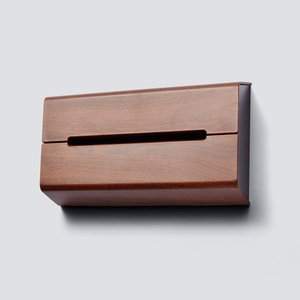 壁に貼って使えるティッシュポケット  かつての衣装箪笥が今やクローゼットとなった様にテッシュケースも...