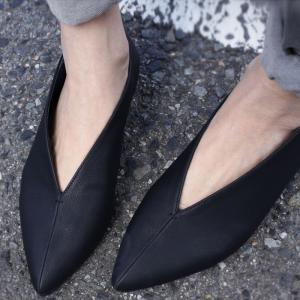シューズ パンプス 靴 インソール 美脚 Vカットパンプス・12月1日20時〜発売。##メール便不可|antiqua