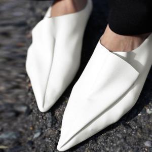 シューズ 靴 軽量 ポインテッドトゥ ドレープデザインシューズ・発送は12/7〜。##メール便不可|antiqua