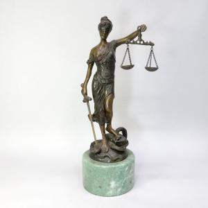 「正義の女神 テミス」 ブロンズ像
