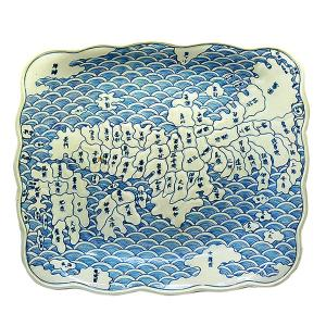 古伊万里 染付地図大皿 天保年製 箱付  型押成形の凹凸があり、地図が隆起、膨らんでいます。 経年の...