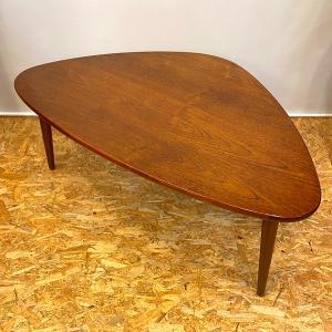リビングテーブル / ソファーテーブル / ローテーブル / ヴィンテージ / 北欧家具 / チーク / Denmark/トライアングル|apetera