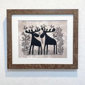 アートフレーム / Moose with Birds in Grass / Heidi Lange / Sweden apetera