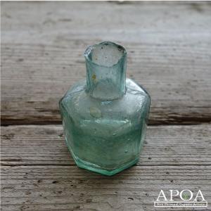 アンティーク インクボトル K 小瓶 イギリス製 ガラスビン ブロカント インテリア|apoa