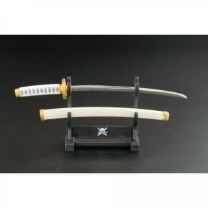 """三刀流の剣豪ロロノア・ゾロの刀であ る""""和道一文字""""を模したペーパーナイ フです。"""