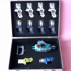 DXバグルドライバー2 ライダーガシャット12個収納ケース ...