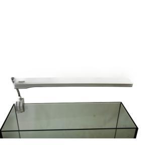 テトラの小型水槽向けLEDライトです。  水槽の上部枠が3mm〜17mmまででしたら枠あり、 枠なし...