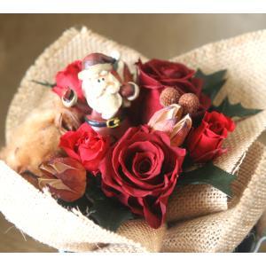 プリザーブドフラワーの真っ赤なバラとサンタがかわいいクリスマスブーケ arancia-mm