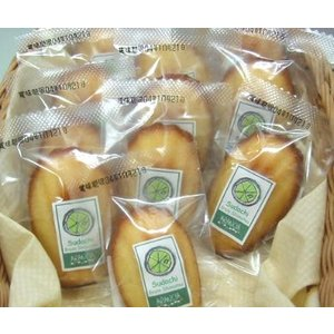 すだちのマドレーヌ(焼き菓子)〜下津町上山さんのスダチのピールと果汁 arancia-mm