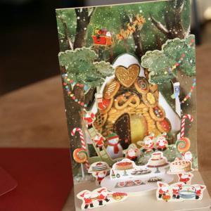 立体クリスマスカード(森の中のお菓子の家にサンタがいっぱい)〜縦開き〜【メール便可】 arancia-mm