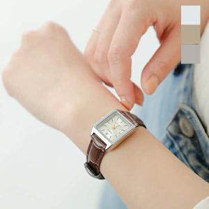 CASIO(カシオ)より、スクエアケースレザーベルト腕時計のご紹介です。すっきりとしたスクエアケース...