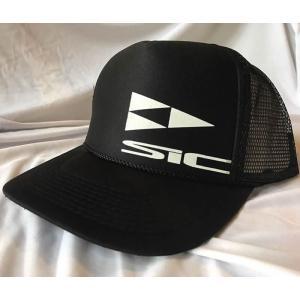 【新品】SIC(エスアイシー) TRUCKER HAT [BLACK] ロゴプリント キャップ FREEサイズ|arasoan
