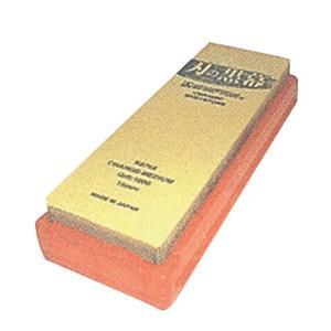 特長 中砥だが荒砥がいらないといわれるほど良く刃が付き、荒・中兼用として便利な、#1000の中砥石で...