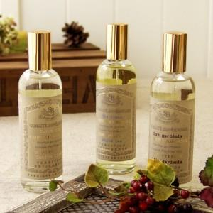 南プロヴァンスのエグモルト地方で香水や化粧品を製造している「サンタール・エ・ボーテ社」の、クラシカル...