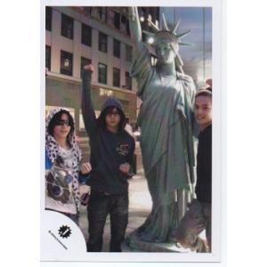 山田涼介&知念侑李&中山優馬[NYC] 公式生写真/カメラ目線・山田右手上に挙げ・知念サングラス|arraysbook
