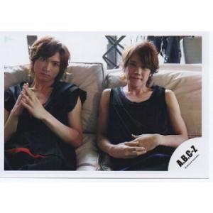 橋本良亮&五関晃一(A.B.C-Z)公式生写真/カメラ目線・椅子に座り|arraysbook
