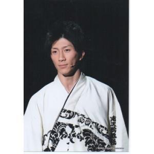 濱田崇裕(ジャニーズWEST) 公式生写真/滝沢歌舞伎2012・衣装白×黒・背景黒・口閉じ|arraysbook