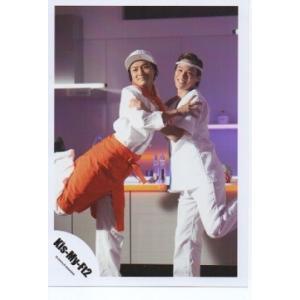 千賀健永&横尾渉(Kis-My-Ft2/キスマイ) 公式生写真/ワッター弁当・目線若干左・両手相手の肩|arraysbook