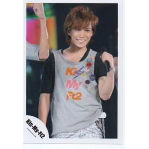 千賀健永(Kis-My-Ft2/キスマイ) 公式生写真/衣装グレー×オレンジ×黒・マイク持ち arraysbook