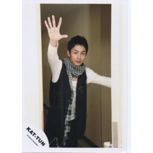 中丸雄一(KAT-TUN) 公式生写真/衣装白×黒・カメラ目線・右手パー・口閉じ arraysbook