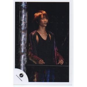 田中樹(SixTONES) 公式生写真/Jロゴ・衣装紫×金×黒・目線若干右|arraysbook