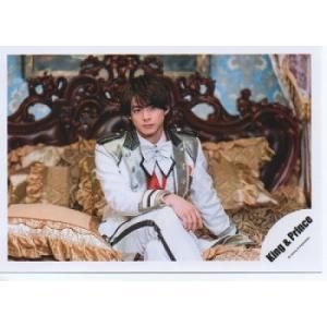 平野紫耀(キンプリ) 公式生写真/シンデレラガール・衣装白×銀×赤×黒・座り・目線若干右 arraysbook