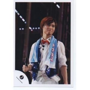 橋本良亮(A.B.C-Z)公式生写真/Jロゴ・衣装白×青×赤・口閉じ・右手マイク持ち|arraysbook