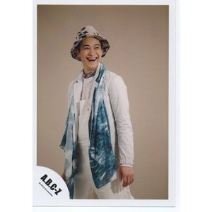 戸塚祥太(A.B.C-Z)公式生写真/衣装白×水色・帽子・背景ベージュ・口開け|arraysbook
