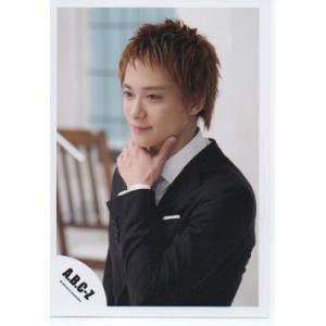 戸塚祥太(A.B.C-Z)公式生写真/衣装黒×白・口閉じ・左手顔の下|arraysbook