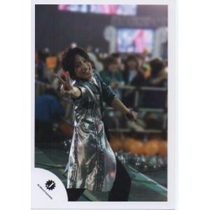 桐山照史(ジャニーズWEST) 公式生写真/Jロゴ・衣装銀×黒×緑・カメラ目線・ピース|arraysbook