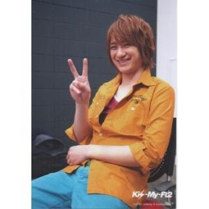 宮田俊哉(Kis-My-Ft2/キスマイ) 公式生写真/2012年・衣装オレンジ×水色・カメラ目線・ピース|arraysbook