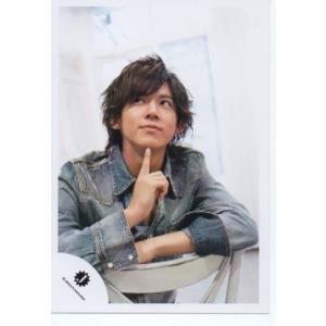 小瀧望(ジャニーズWEST) 公式生写真/Jロゴ・衣装紺×グレー・人差し指立て・目線上方向 arraysbook