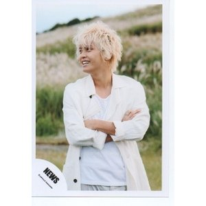 手越祐也(NEWS) 公式生写真/WHITE・衣装白・腕組み・目線左方向|arraysbook