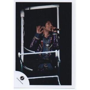 濱田崇裕(ジャニーズWEST) 公式生写真/Jロゴ・衣装紫×赤×青・マイク持ち|arraysbook