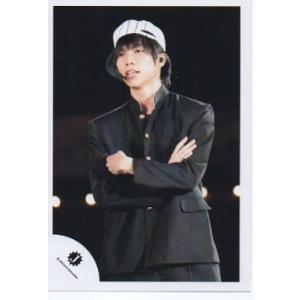 重岡大毅(ジャニーズWEST) 公式生写真/Jロゴ・衣装黒・腕組み・帽子白×黒|arraysbook